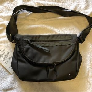 Lululemon festival bag 11